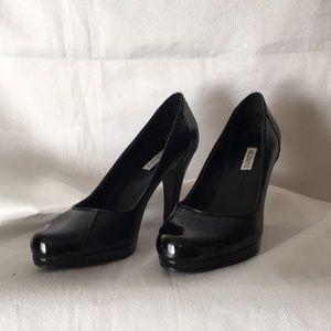 Alfani  black leather pumps 6.5